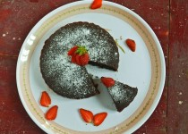 Eggless Whole Wheat Flour Chocolate Cake (Vegan Version)