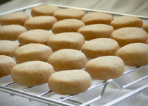 Eggless Whole Wheat Vanilla and Cardamom Butter Cookies