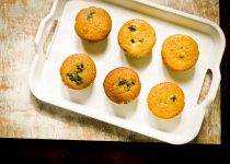 Eggless Whole Wheat Blueberry Muffins