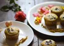 Eggless and Whole Wheat Vanilla Chocolate Chip Cupcakes